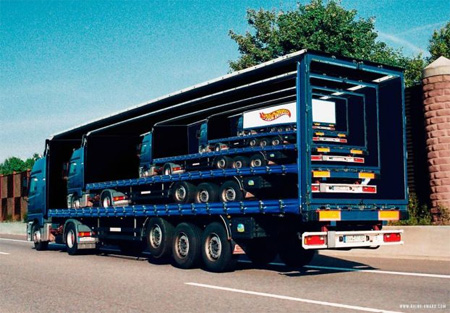 Креативная реклама на грузовиках - Матрешка :)