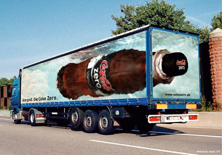 Креативная реклама на грузовиках - Coca-Cola